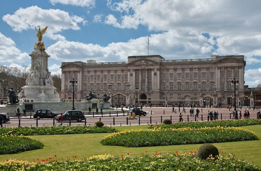 Find British - Buckingham Palace